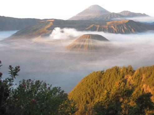 PHOTO Volcano on java taken by wise owl sheldon